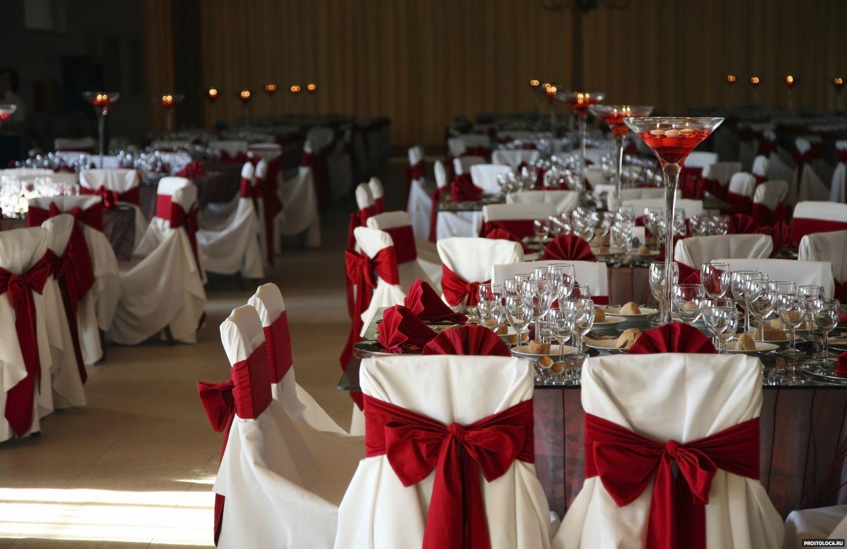 Украшение свадебного стола в красном цвете