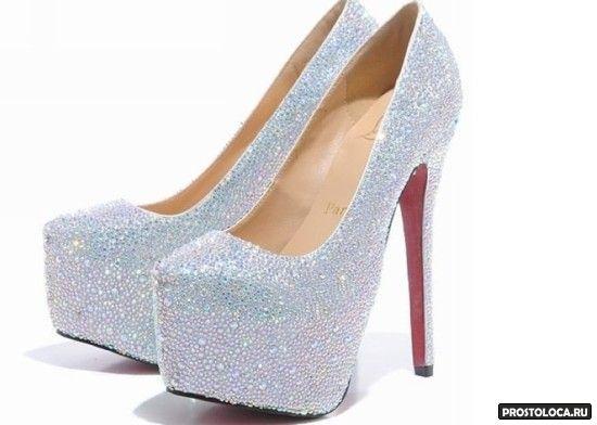 пошлые свадебные туфли на высокой шпильке