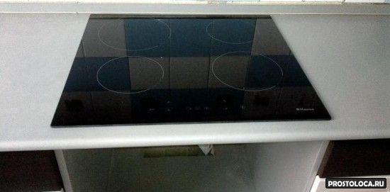 ставим варочную панельв  столешницу