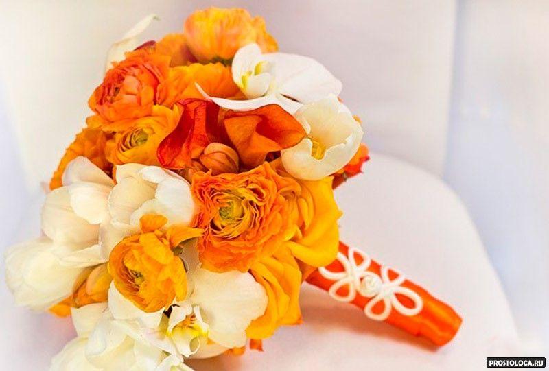 Оранжевые свадебные букеты для невесты из роз