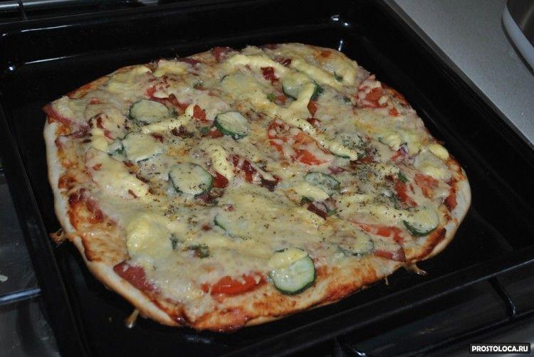 пицца с прованскими травами колбасой и сыром