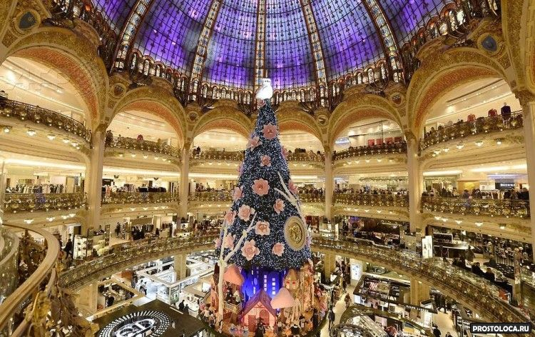 рождественская ель парижа 2