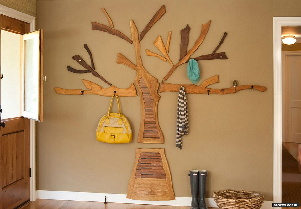 Вешалка дерево в интерьере фото