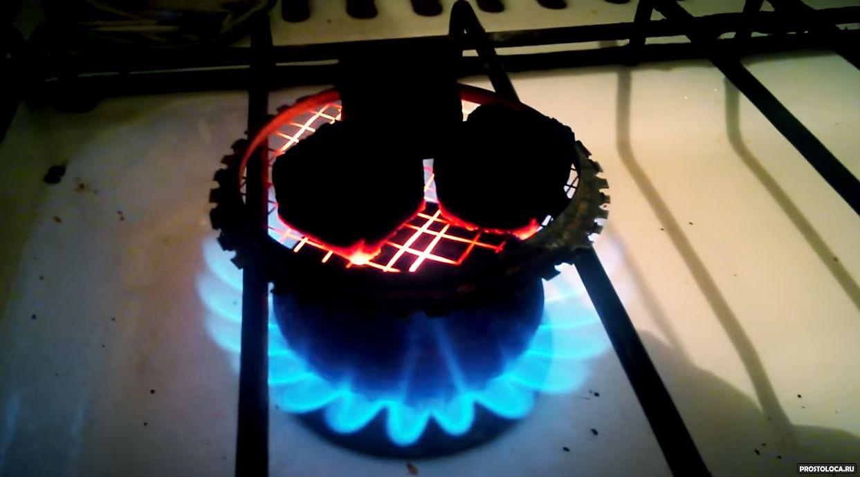 Как разжечь угли для кальяна в домашних  875